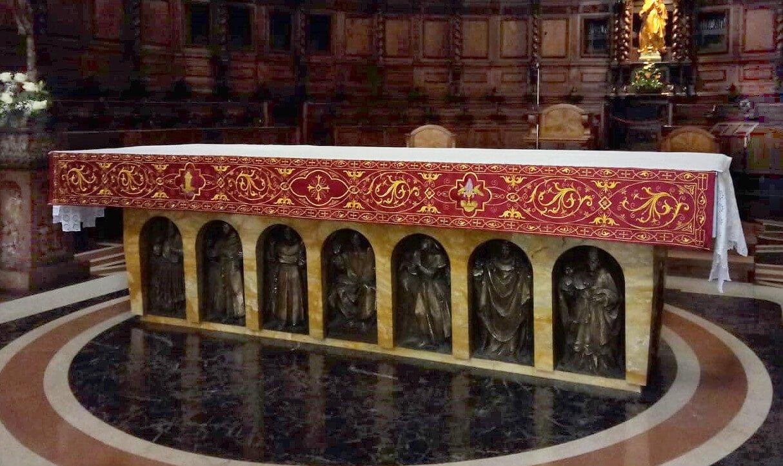 Mantovana altare
