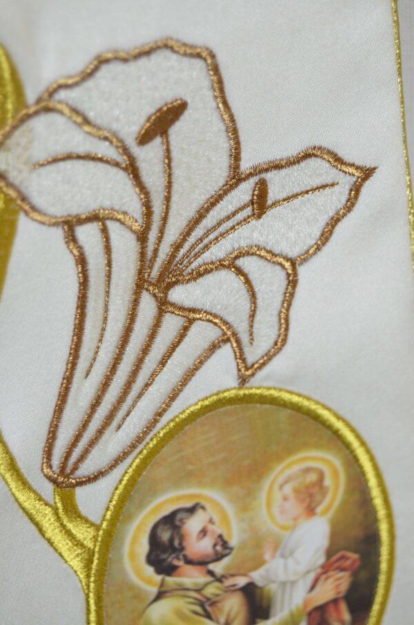 Stola Sacerdotale cod 8121 in raffinato tessuto di raso Ricamo Immagine San Giuseppe e gigli oro P1