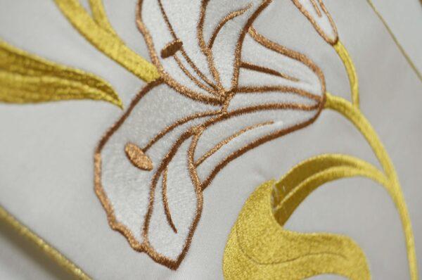 Stola Sacerdotale cod 8121 in raffinato tessuto di raso Ricamo Immagine San Giuseppe e gigli oro P7